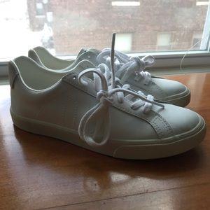 BRAND NEW Veja Esplar Sneakers